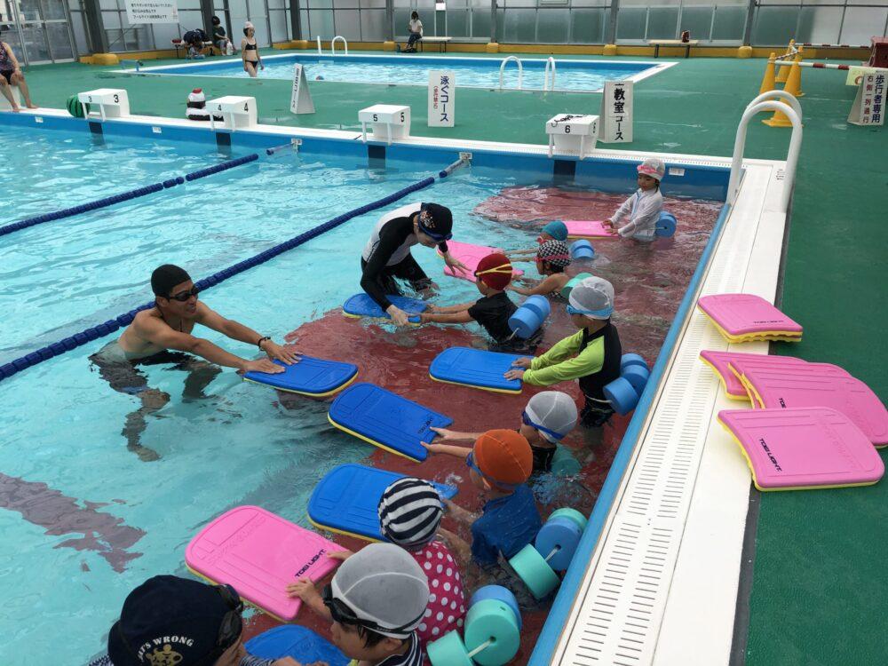 水泳教室も開講